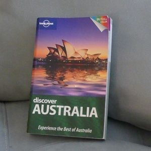 Australia Guide by Lonely Planet in Color